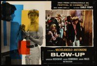 6t303 BLOW-UP Italian photobusta '67 Michelangelo Antonioni, David Hemmings at party!