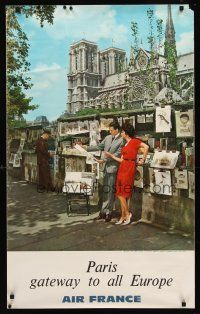 8a256 AIR FRANCE PARIS FrenchEnglish travel poster '63 cool image of couple & Notre Dame!