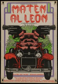 1t027 MATEN AL LEON Mexican poster 1977 wild art of guns pointed from car, Kill the Lion!