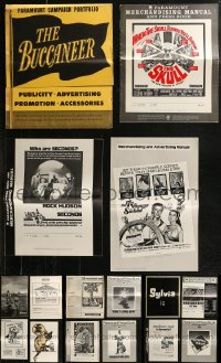 8h0234 LOT OF 24 UNCUT PRESSBOOKS 1950s-1970s advertising for a variety of different movies!