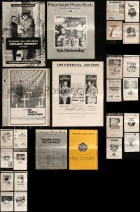 8h0232 LOT OF 26 UNCUT PRESSBOOKS 1950s-1970s advertising for a variety of different movies!