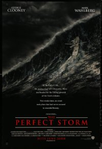8p1097 PERFECT STORM advance DS 1sh 2000 Wolfgang Petersen, fishermen George Clooney & Mark Wahlberg
